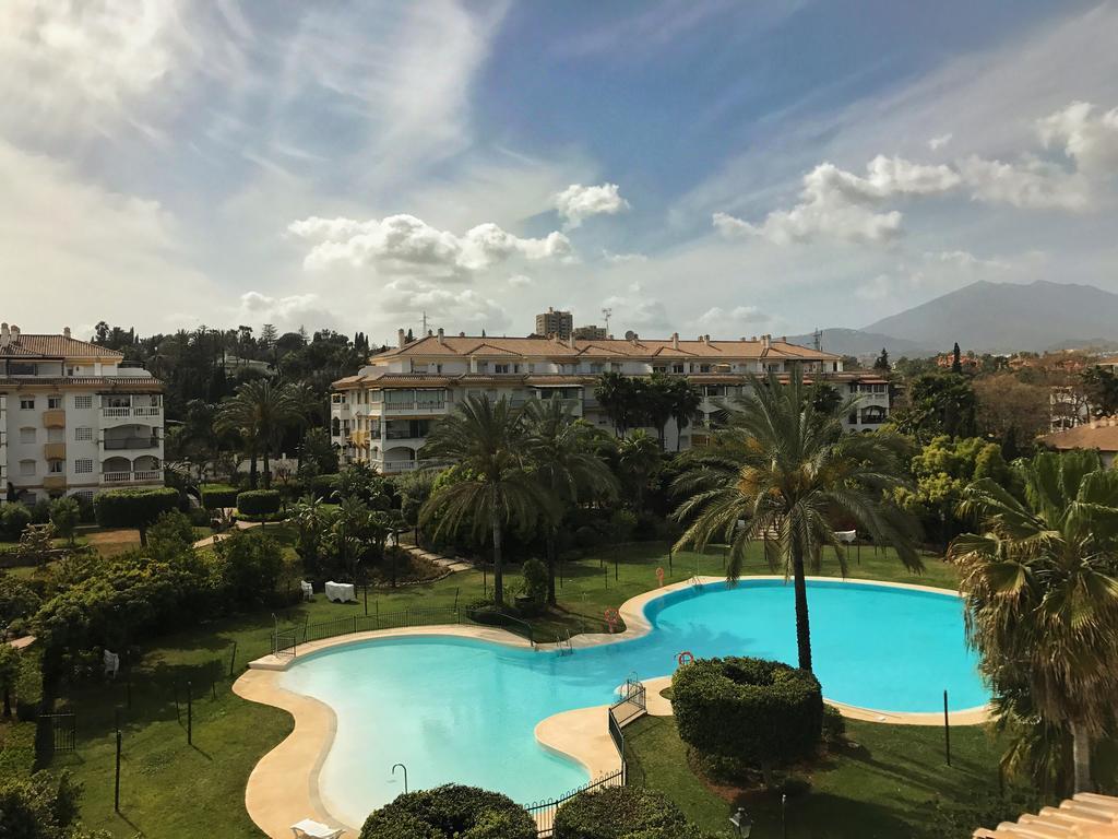 URGENT SALE! 4 BEDROOMS APARTMENT FOR THE PRICE OF 2 BEDROOMS APARTMENT! PUERTO BANUS (MARBELLA) FAM,Spain