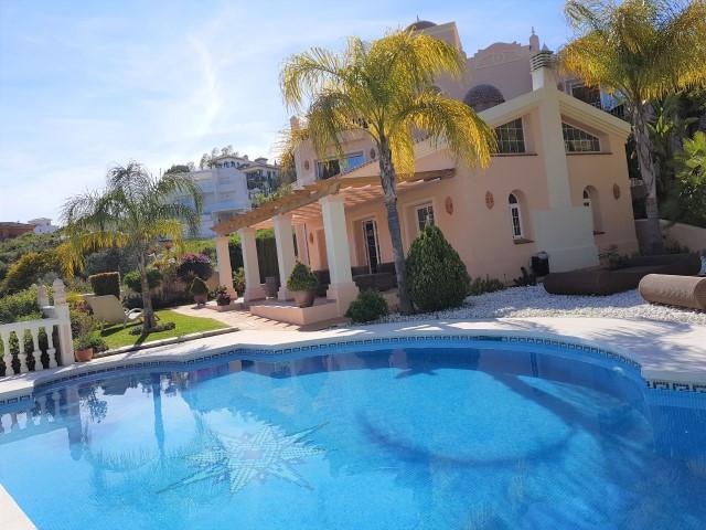 Luxury villa with five bedrooms and five bathrooms for sale in the exclusive area of Elviria, Marbel,Spain