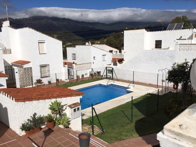 Semi-Detached House, Estepona, Costa del Sol. 3 Bedrooms, 2 Bathrooms, Built 90 m², Terrace 47 m².  ,Spain