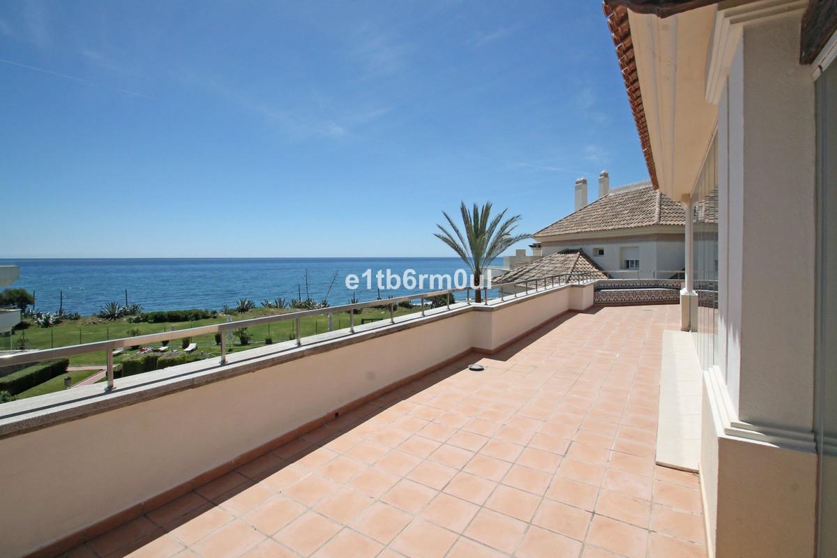 Modern contemporary South facing corner penthouse in Guadalmansa Playa, a beachfront complex ideally,Spain