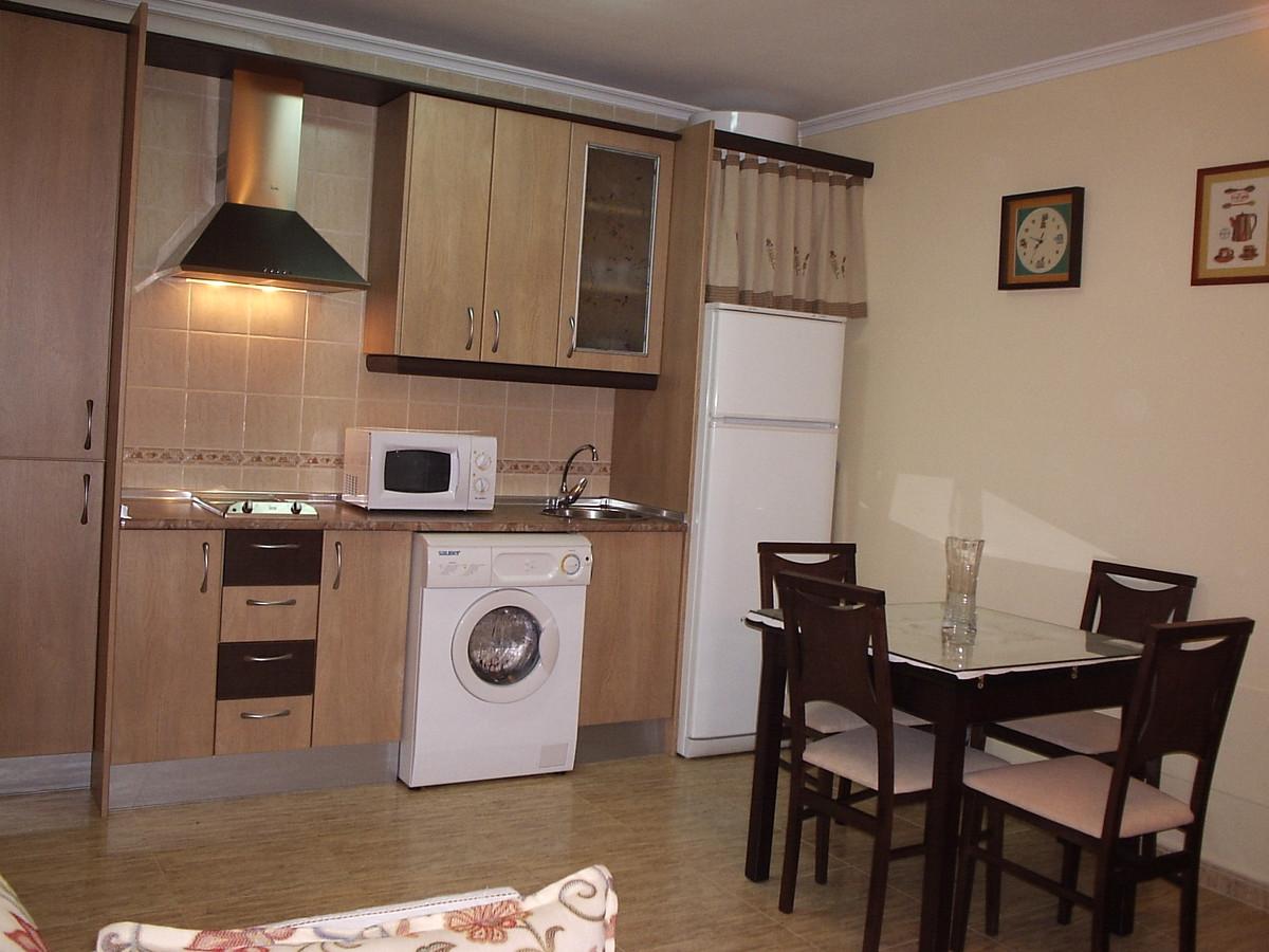 Middle Floor Apartment, Las Lagunas, Costa del Sol. 1 Bedroom, 1 Bathroom, Built 0 m².  Setting : To,Spain