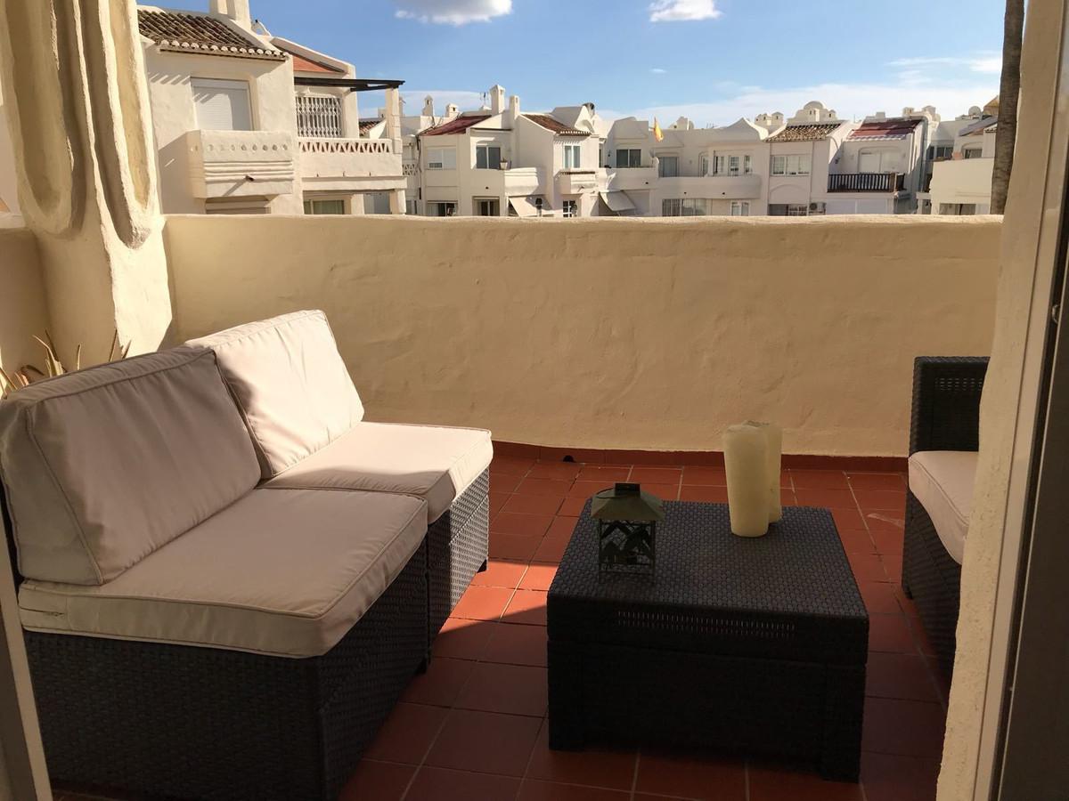 Middle Floor Apartment, Benalmadena, Puerto marina, Costa del Sol. 2 Bedrooms, 2 Bathrooms, Built 91,Spain