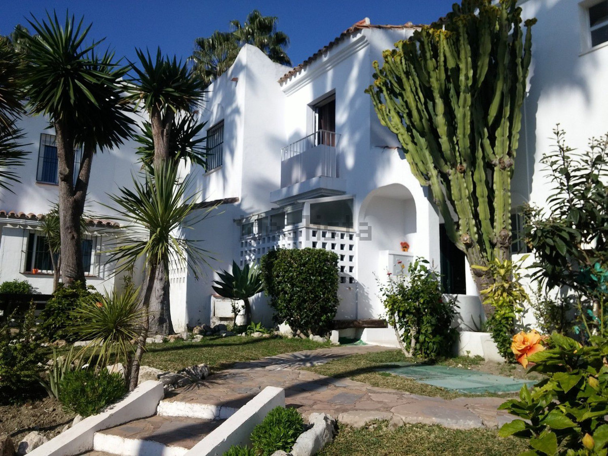 Townhouse, Bel Air, Costa del Sol. 3 Bedrooms, 2 Bathrooms, Built 130 m².  Setting : Town, Suburban,,Spain