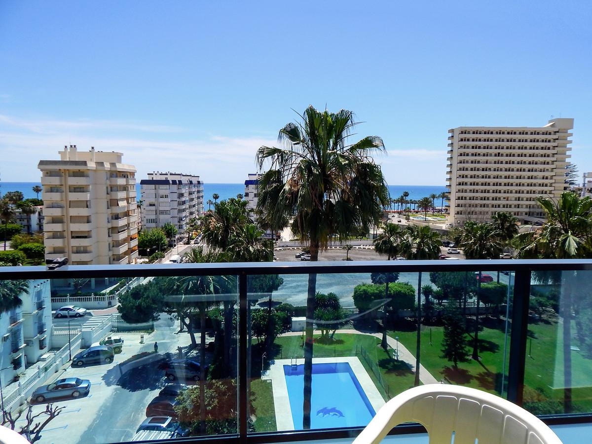Middle Floor Apartment, Benalmadena Costa, Costa del Sol. 2 Bedrooms, 2 Bathrooms, Built 70 m², Terr,Spain