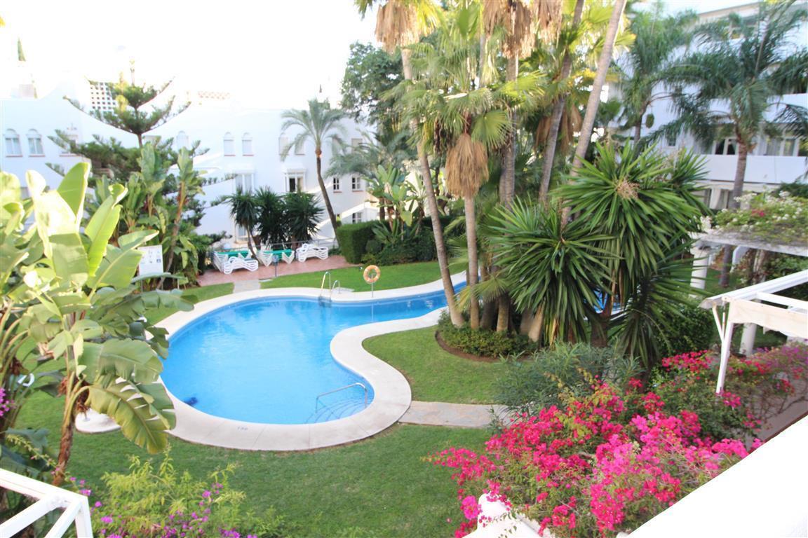 Middle Floor Apartment, Marbella, Costa del Sol. 2 Bedrooms, 2 Bathrooms, Built 90 m², Terr,Spain