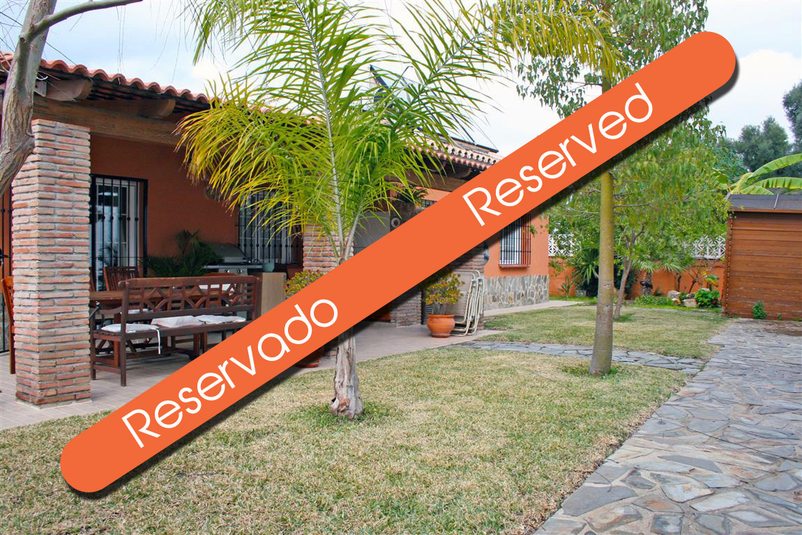 Beautiful, good quality built villa on a plot of more than 600m² located in a prestigious urbanisati,Spain