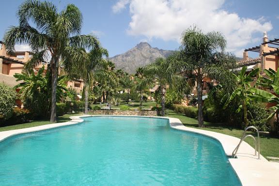 Townhouse, Marbella, Costa del Sol. 3 Bedrooms, 3 Bathrooms, Built 308 m².  Setting : Urbanisation. ,Spain