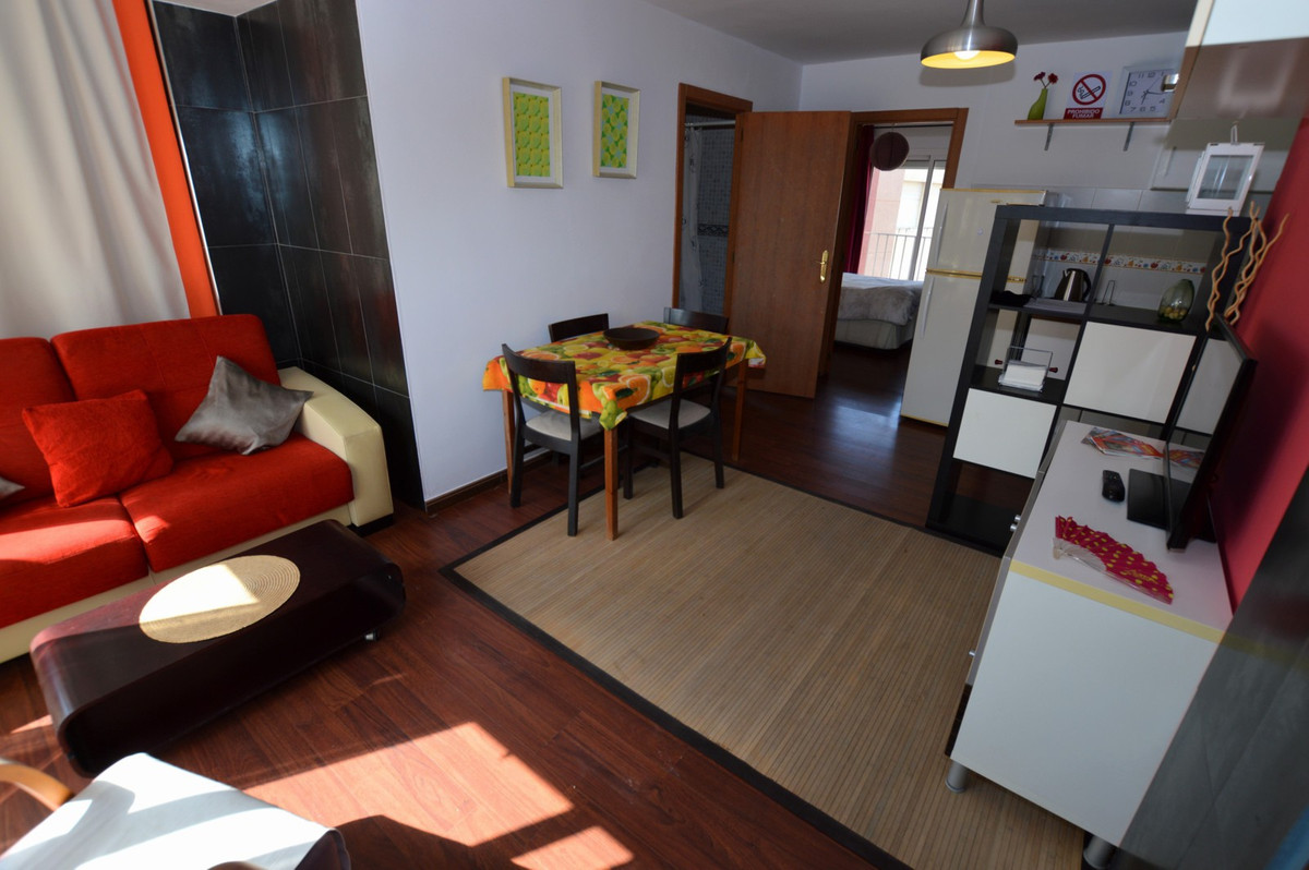 1 Bedroom, 1 bathroom apartment in Torremolinos with sea views, pool, air conditioning and walking d,Spain