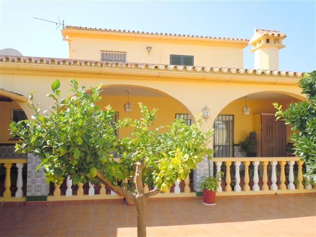 Great detached villa for a family or holiday home in Pueblo Nuevo de Guadiario-Sotogrande area with ,Spain