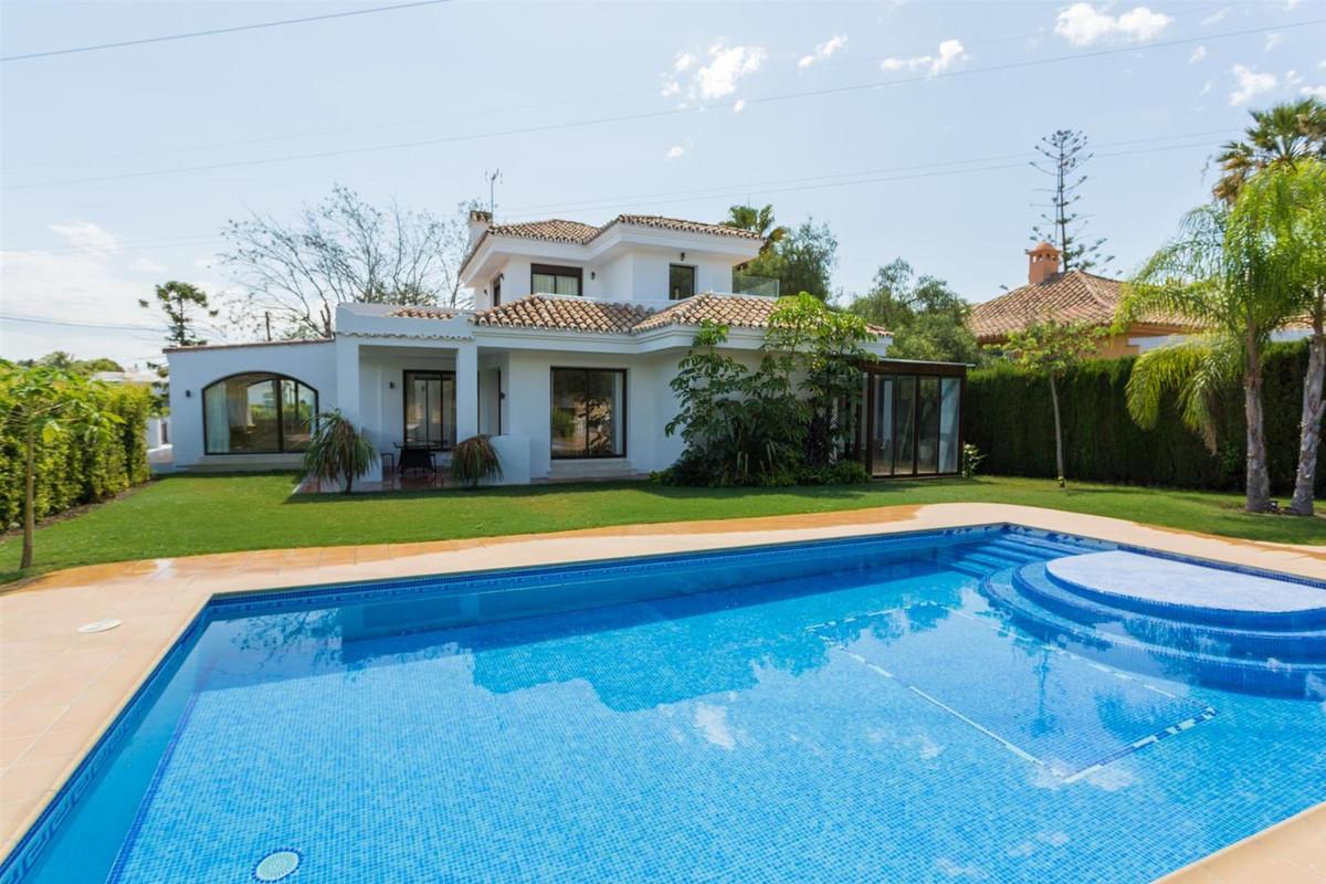 Fully renovated villa for sale in Nueva Andalucia Very conveniently located in Nueva Andalucia also ,Spain