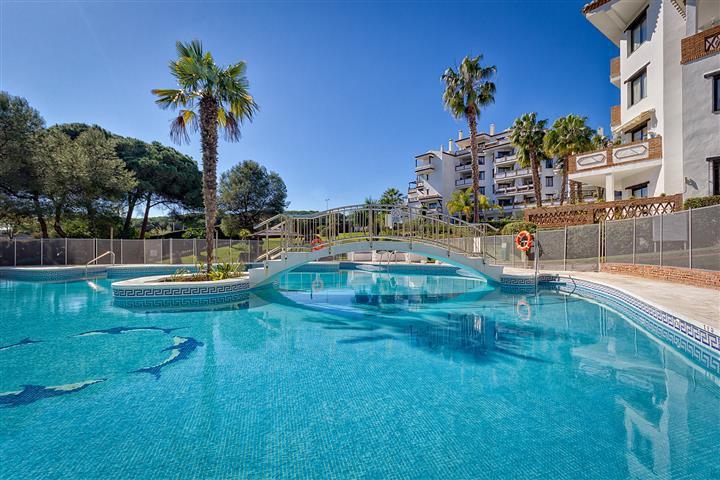 A light, spacious modern , 2bed/2bath, 1st floor apartment with large sunny, south-facing terrace  o,Spain