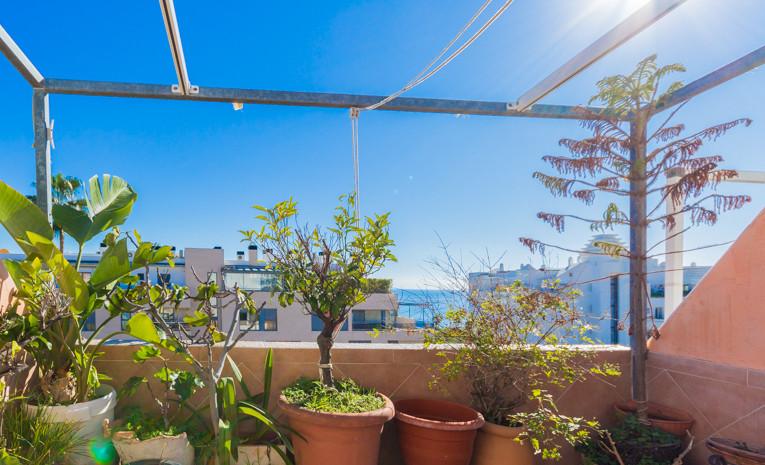Bonita y coqueta casa adosada con vistas al mar desde el salon, dormitorio principal y las terrazas.,Spain