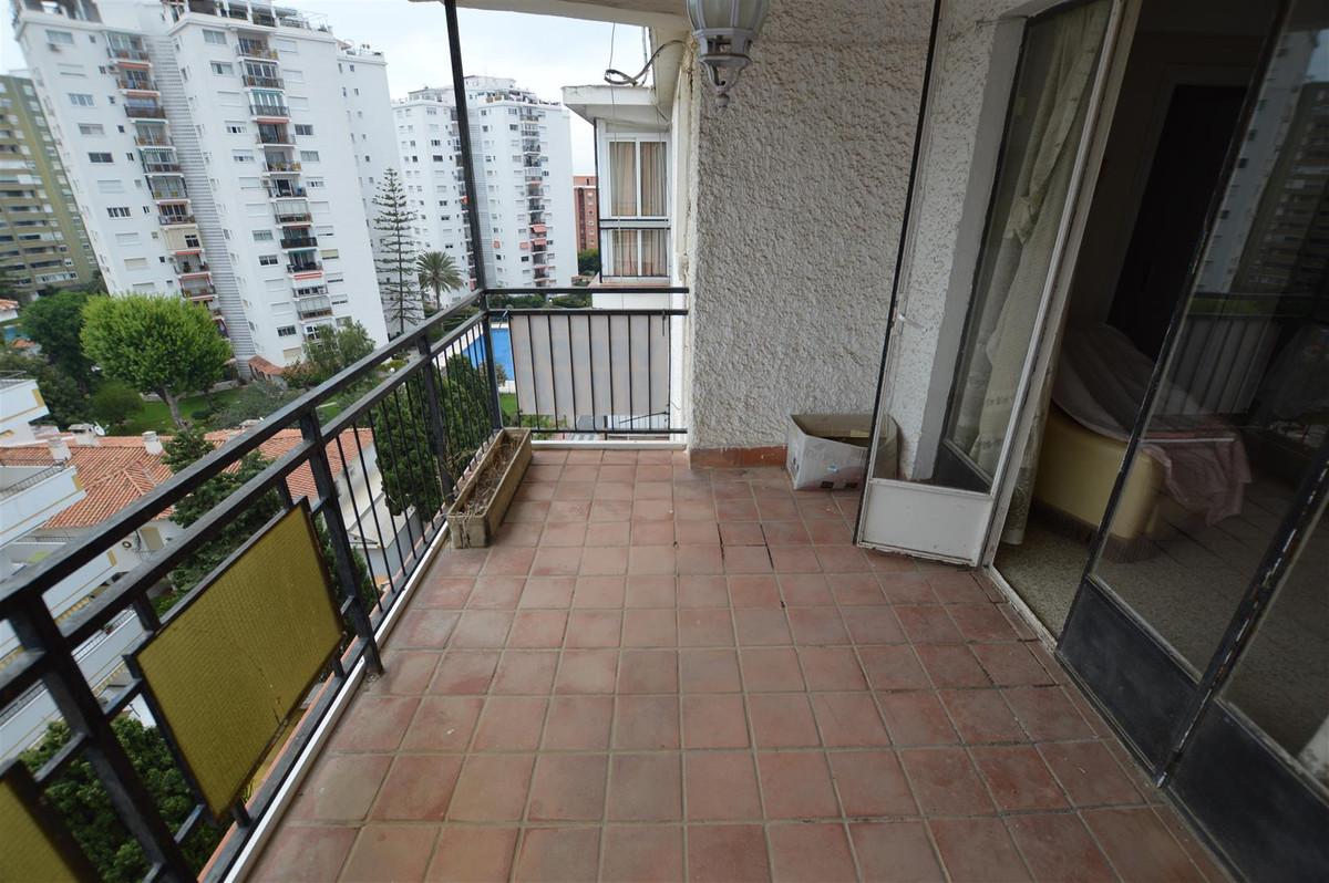 Top Floor Apartment, Los Boliches, Costa del Sol. 4 Bedrooms, 1 Bathroom, Built 100 m², Terrace 10 m,Spain