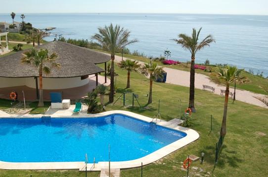 Atico, Estepona, Costa del Sol. 3 Dormitorios, 2 Banos, Construidos 320 m², Terraza 30 m².  Setting ,Spain