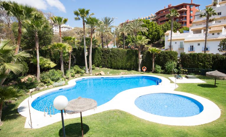 Beautiful 2 bedroom apartment in Benalmadena, just 300 meters from the beach, situaetd in a closed c,Spain