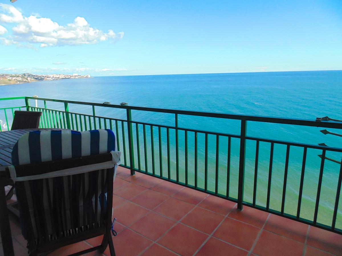 Fantastic location, very spacious top floor 2 bedroom, 2 bathroom apartment front line beach in Carv,Spain