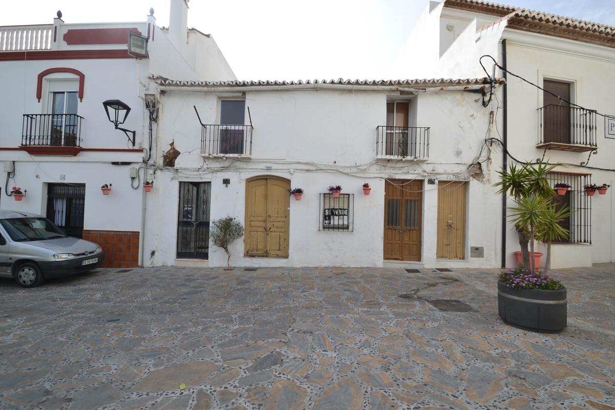 Plot in Estepona center  Residential Plot, Estepona, Costa del Sol. Garden/Plot 230 m².  Setting : T,Spain