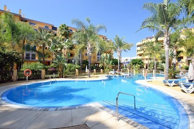 This 2 bedroom apartment located in urb. Los Jazmines, San Pedro Alcantara beachside with short walk,Spain