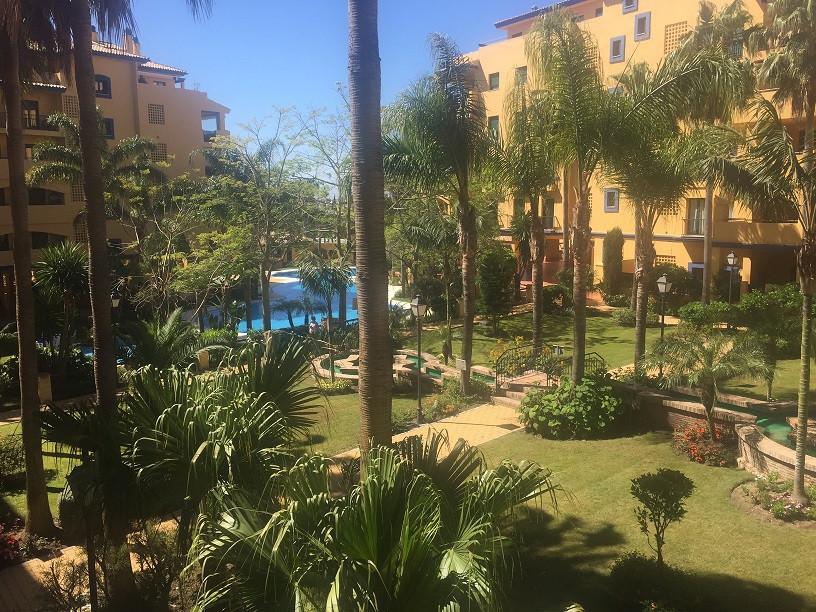 Middle Floor Apartment, San Pedro de Alcantara, Costa del Sol. 2 Bedrooms, 2 Bathrooms, Built 110 m²,Spain