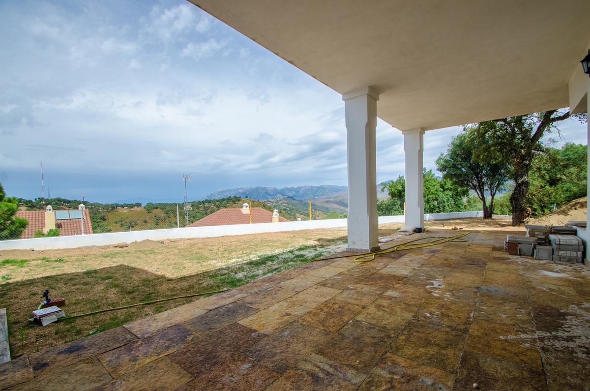 Semi-Detached House, La Mairena, Costa del Sol. 3 Bedrooms, 3 Bathrooms, Built 335 m�, Terrace 227 m,Spain