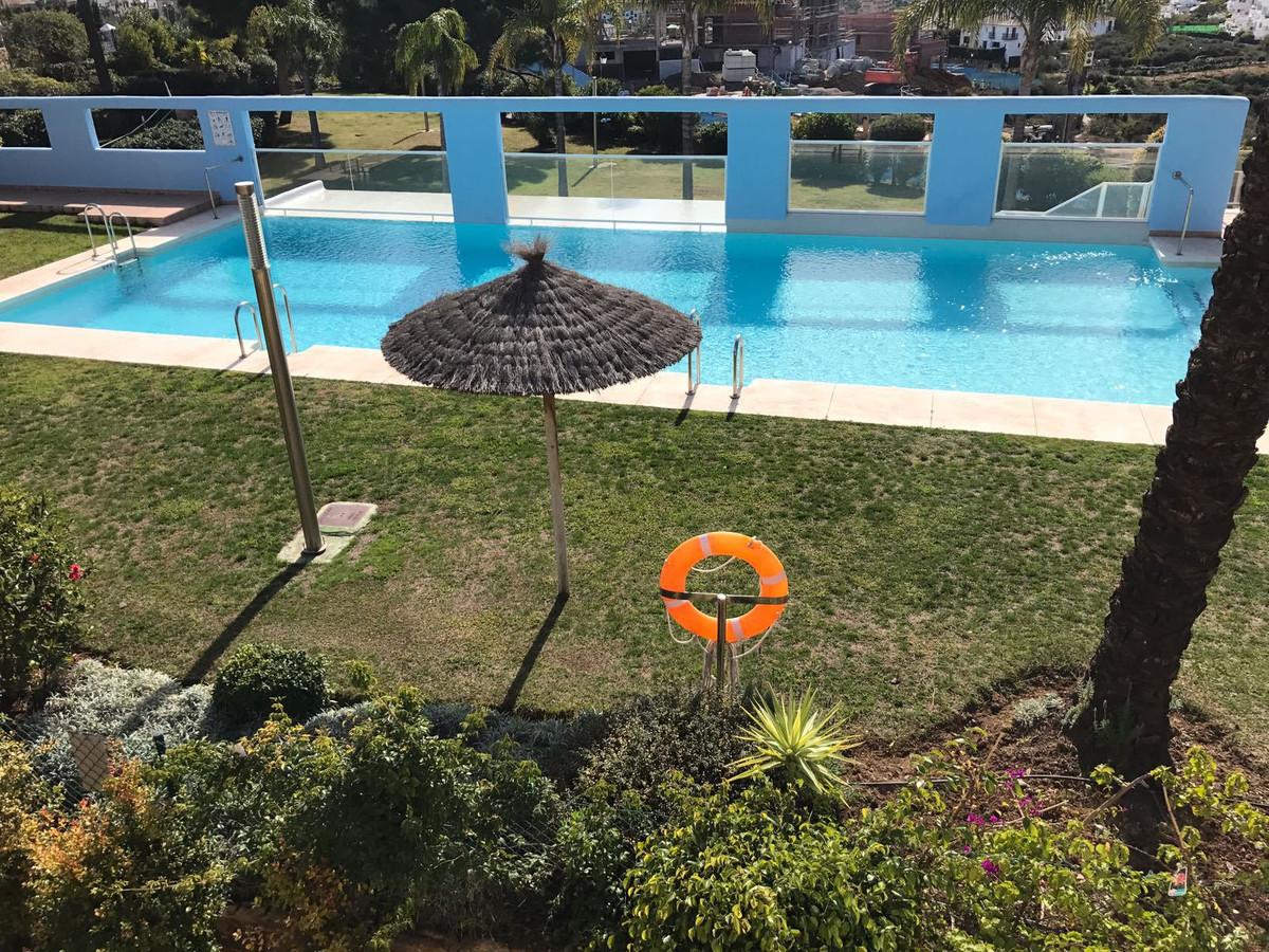 Middle Floor Apartment, Selwo, Costa del Sol. 3 Bedrooms, 2 Bathrooms, Built 150 m², Terrace 25 m². ,Spain