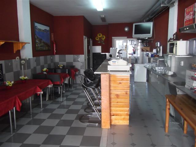 RESTAURANTE  DE 90 m2 + 90 m2 DE SOTANO CON PLAZA DE PARKING EN PROPIEDAD TIENE LICENCIA DE CAFETERI,Spain