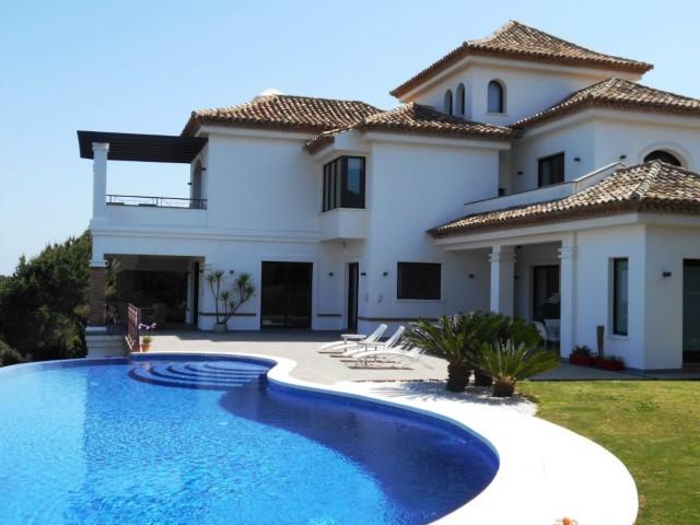 La Reserva de Sotogrande: Stunning villa with 6 bedrooms 6 bathrooms, panoramic views to golf, sea a,Spain