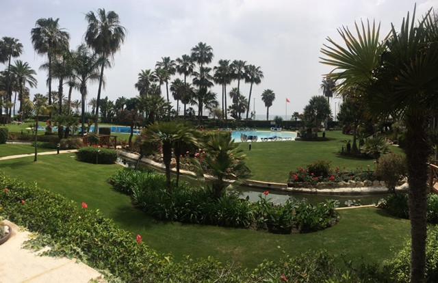 Apartamento  ubicado en zona de lujo de Puerto Banus , el complejo en la primera linea del mar con a,Spain