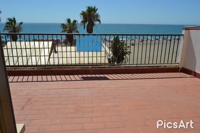 Shop, La Carihuela, Costa del Sol. 5 Bedrooms, 5 Bathrooms, Built 260 m², Terrace 40 m².  Setting : ,Spain