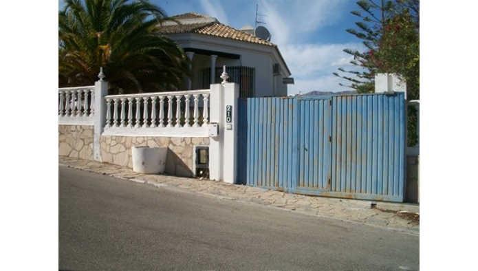 Detached Villa, Cerros del Aguila, Costa del Sol. 3 Bedrooms, 2 Bathrooms, Built 131 m�, Garden/Plot,Spain