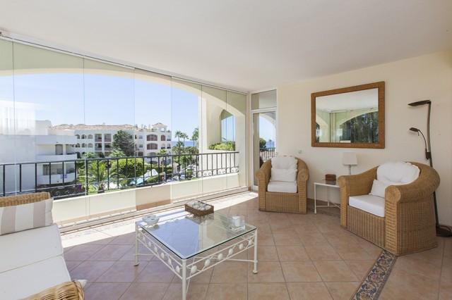 Wonderful Apartment on a second floor in Hacienda Playa, Elviria, with stunning sea views. The ApartSpain