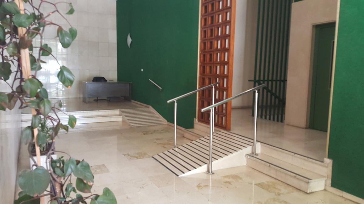 Oficina en Venta Avenida Andalucia. Oficina en venta en Malaga, situada en Avenida Andalucia en entr,Spain