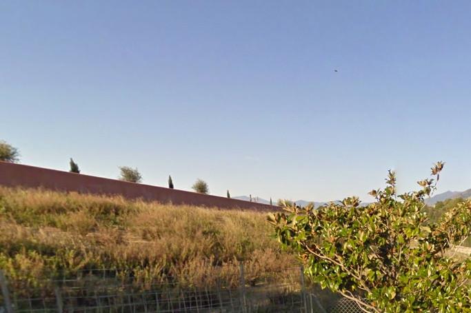 Residential Plot, Marbella, Costa del Sol. Garden/Plot 3253 m².  Setting : Close To Golf, Close To P,Spain