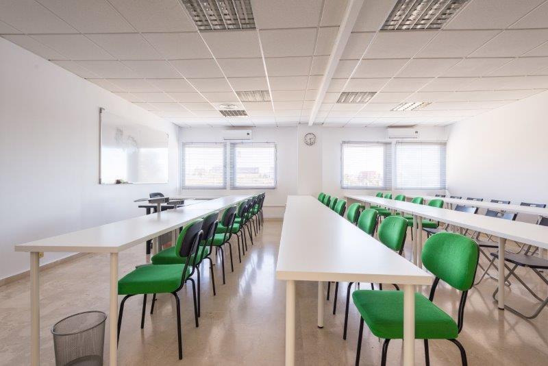 Gran oportunidad de inversion en negocio totalmente funcionando, se trata de una sede empresarial de,Spain