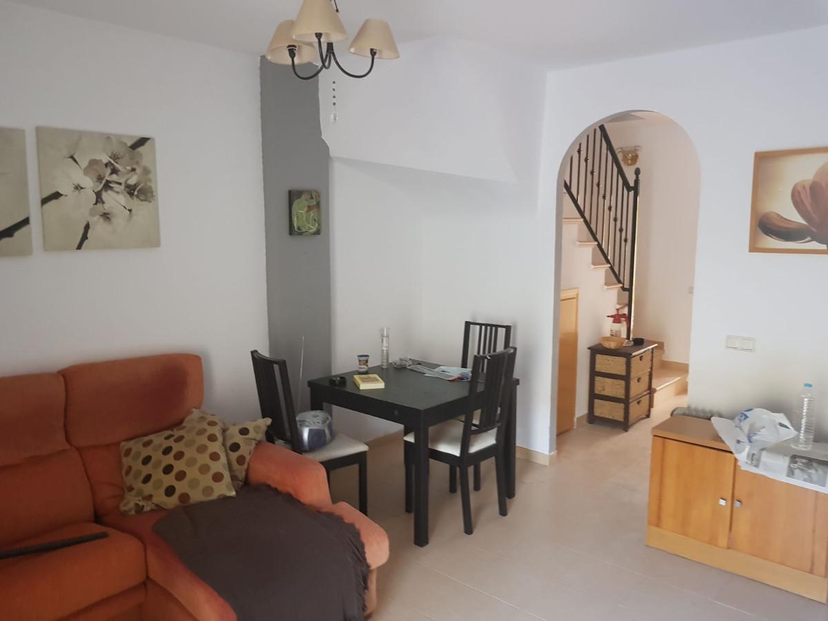 Townhouse, El Padron, Costa del Sol. 3 Bedrooms, 2 Bathrooms, Built 125 m².  Setting : Clos,Spain