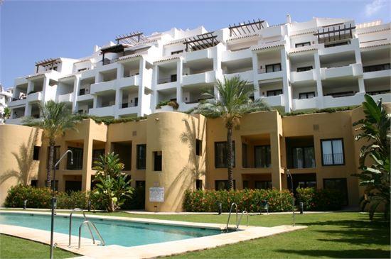 South facing, 3 bedroom, 3 bathroom ,first floor ,corner apartment located at Single Home, Mijas Gol,Spain