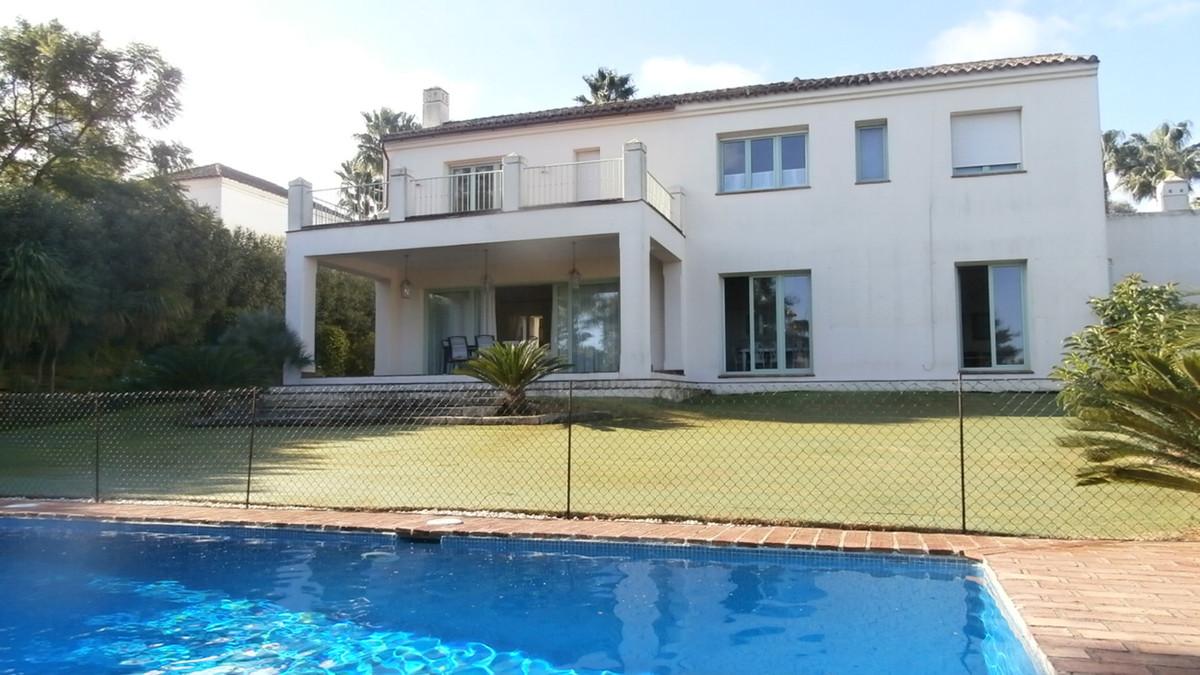 This classic style villa, located in Sotogrande Alto close to the prestigious golf course of Valderr,Spain
