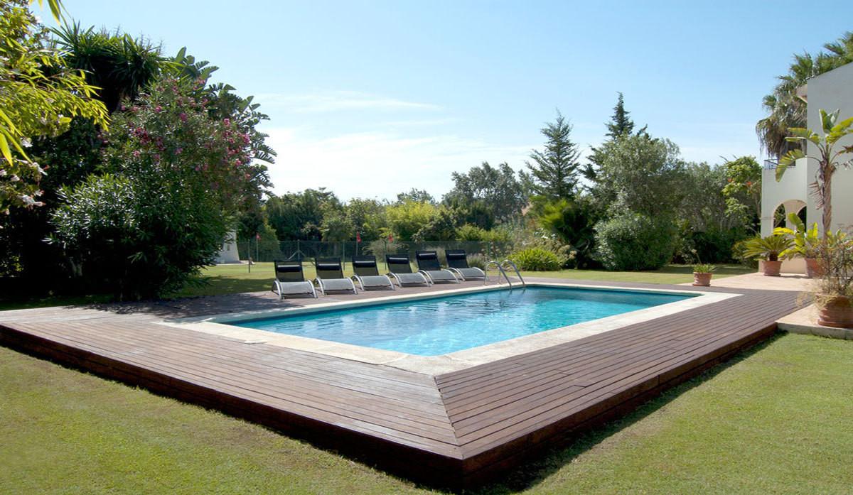 Corazon de Leon is a uniquely characterized villa located in the prestigious development of Sotogran,Spain