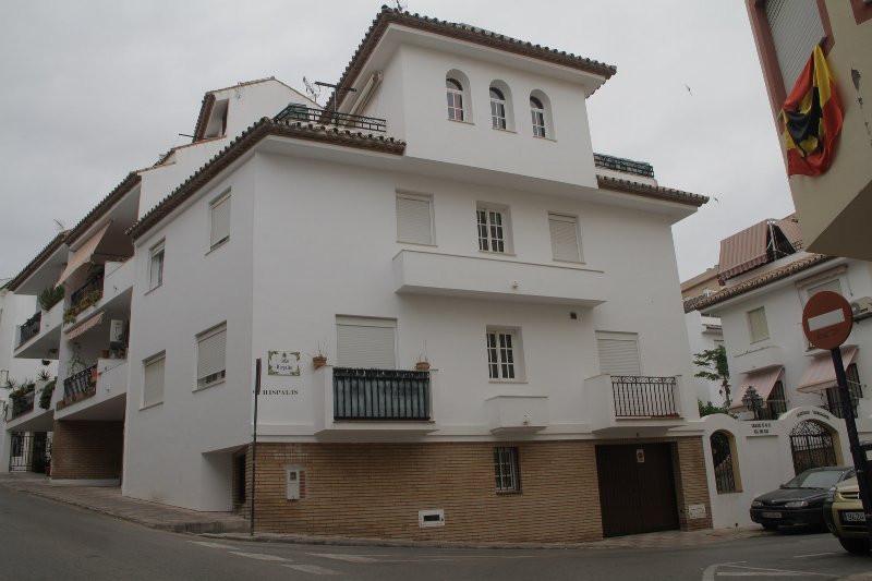 Townhouse - Terraced, Estepona, Costa del Sol. 4 Bedrooms, 3 Bathrooms, Built 280 m², Terrace 30 m²,,Spain