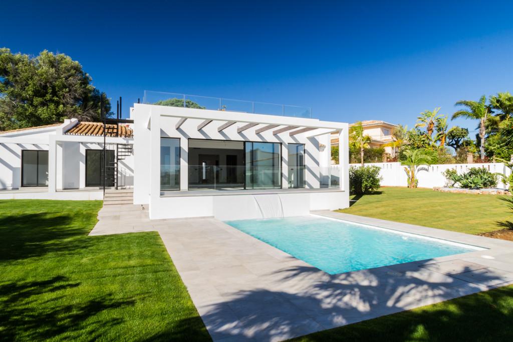 DETACHED VILLA with :  4 double / twin bedrooms, 3 with en suite  · 4 contemporary bathrooms with ca,Spain