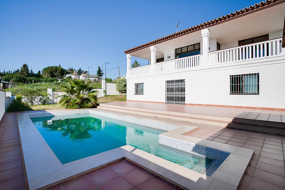 Detached Villa, Valle Romano, Costa del Sol. 4 Bedrooms, 3.5 Bathrooms, Built 310 m², Terrace 90 m²,,Spain