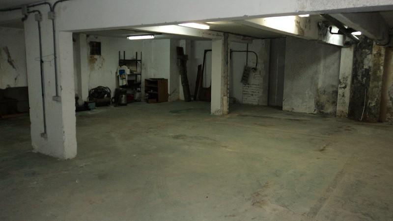 Local situado entre Ricardo soriano y Jacinto benavente. Planta -1, con entrada por rampa de garaje ,Spain