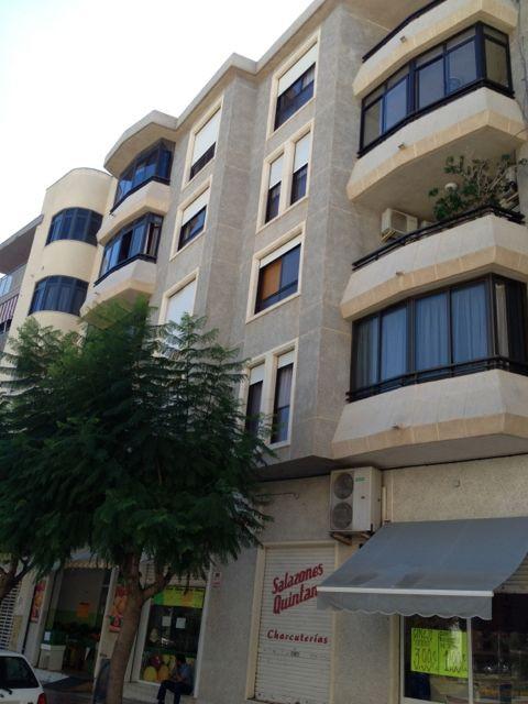 3 bedroom, mid-floor apartment in El Campello centre.  3 double bedrooms with built-in wardrobes, 2 ,Spain