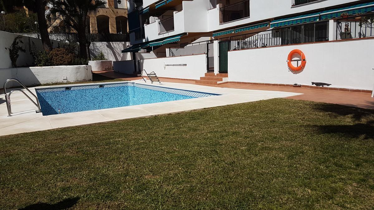 Estupendo apartamento en planta baja. Situado en zona Gamonal/Bonanza, perfecta ubicacion para vivie,Spain