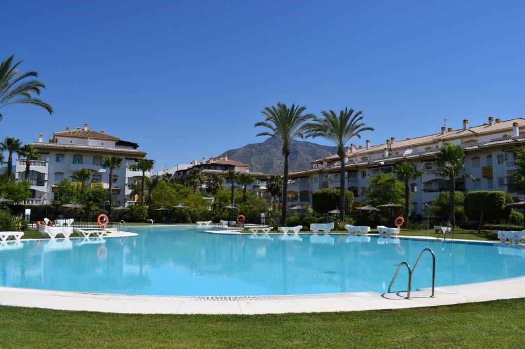 - NEW ANDALUCIA A FEW MIN. TO THE BEACH - 3 bedroom apartment located in the Dama de Noche complex. ,Spain