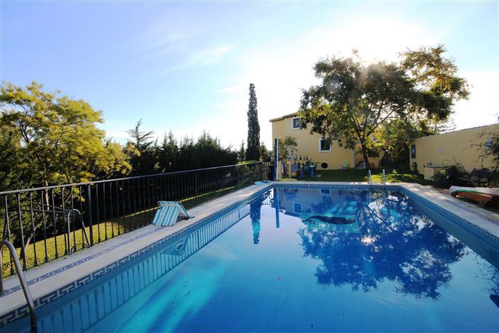 Detached Villa, Bel Air, Costa del Sol. 5 Bedrooms, 3 Bathrooms, Built 450 m², Terrace 157 m², Garde,Spain