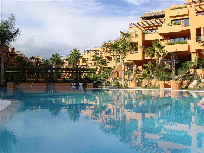 Middle Floor Apartment, San Pedro de Alcantara, Costa del Sol. 3 Bedrooms, 2 Bathrooms, Built 140 m²,Spain