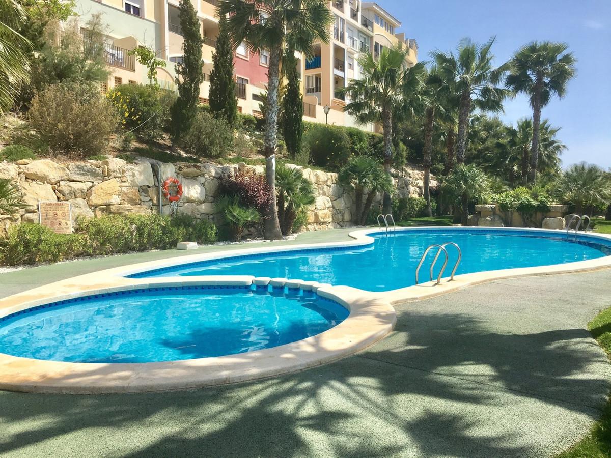 Delightful, south-facing, 2 bedroom apartment with breathtaking views at Bonalba.  Rectangular shape,Spain
