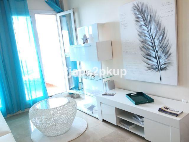EXCELLENT APARTMENTS IN FRONT OF THE BEACH!!!!!!!  Middle Floor Apartment, San Luis de Sabinillas, C,Spain
