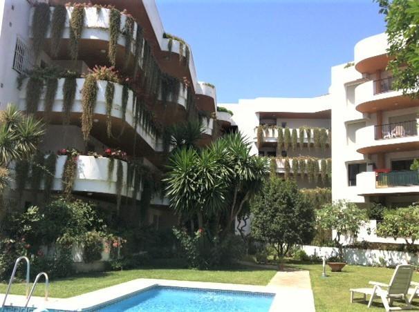 Top Floor Apartment, Nueva Andalucia, Costa del Sol. 1 Bedroom, 1 Bathroom, Built 90 m², Terrace 12 ,Spain